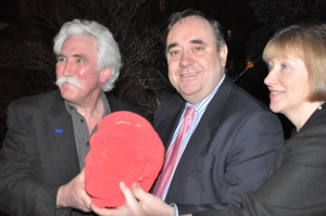 Festival Director Brian Johnstone, Robert Burns, First Minister Alex Salmond, Artistic Director Eleanor Livingstone. Photo kindly donated by Madras student Bryndis Blackadder