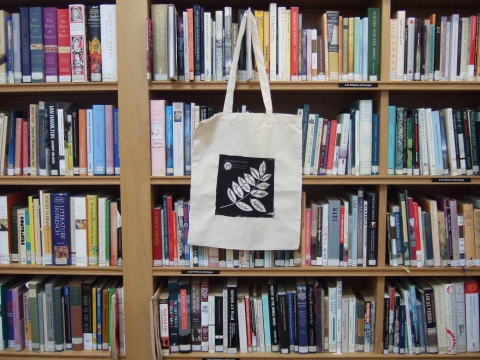 Linen bag boutique. (Books - library's own)